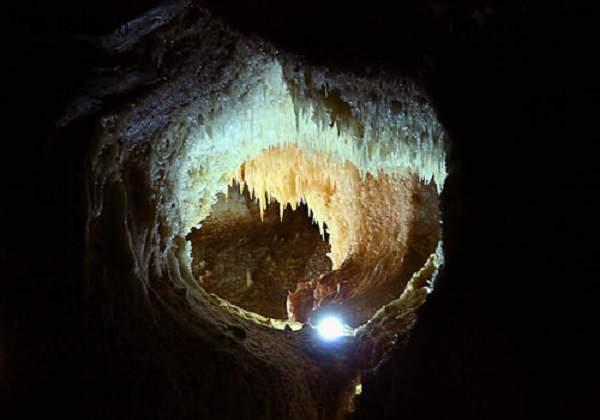 غار کتله خور نمای درونی
