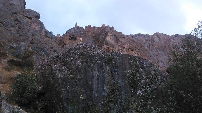 آبشار شاهاندشت قلعه
