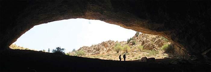 غار رود افشان داخل