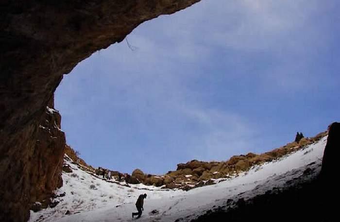 غار رود افشان دهانه از داخل