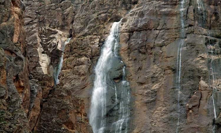 آبشار پیرغار فارسان