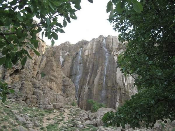 آبشار پیرغار نمای دور